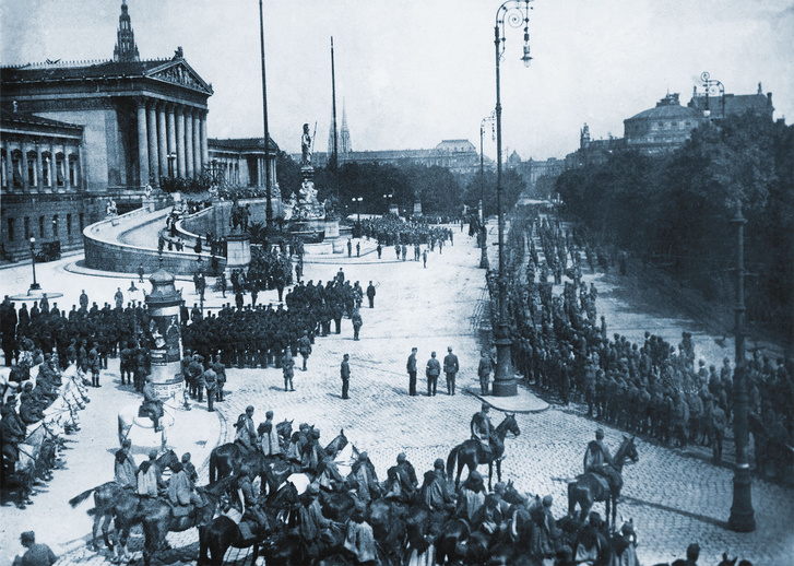 Wien Ringstraße, Volkswehrparade, 13. August 1919. (Foto: HGM/Montage: Rizzardi)